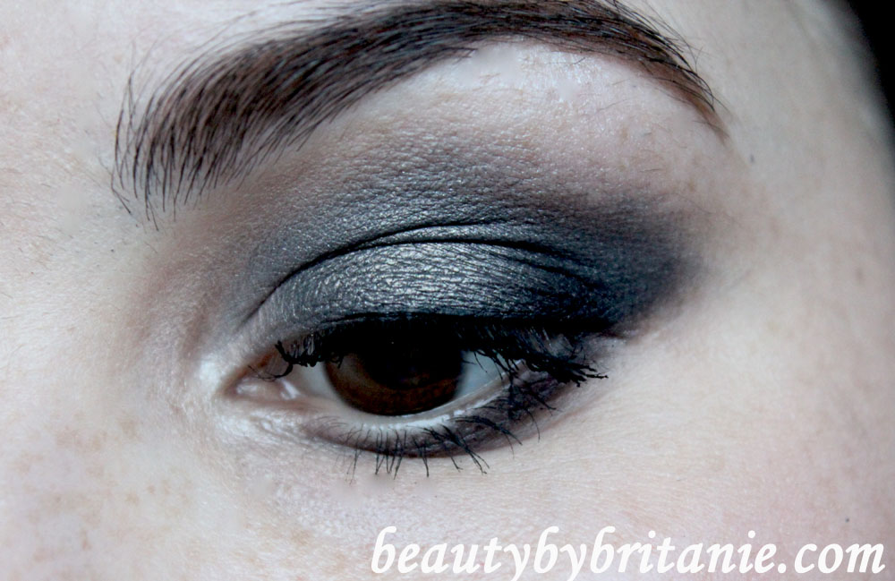Look Of The Day | Dramatic Smokey Eye and Subtle Pink Lips (4/6)