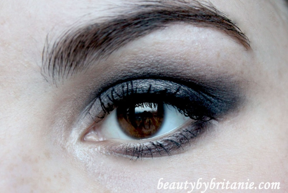 Look Of The Day | Dramatic Smokey Eye and Subtle Pink Lips (3/6)