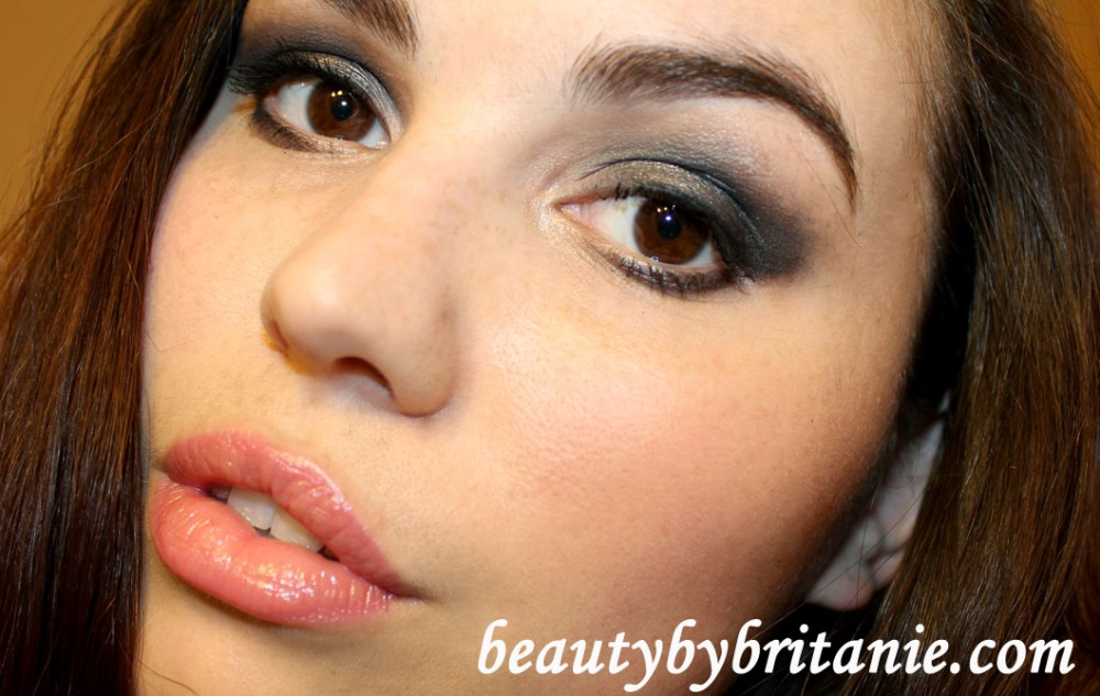 Look Of The Day | Dramatic Smokey Eye and Subtle Pink Lips (5/6)
