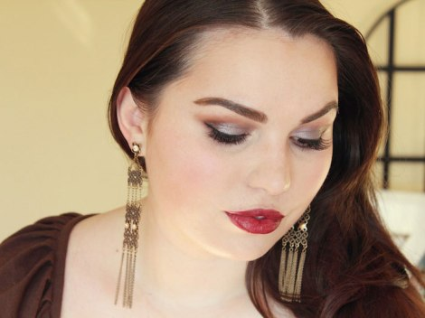 organic-beauty-talk-january-look-dark-red-lips-2